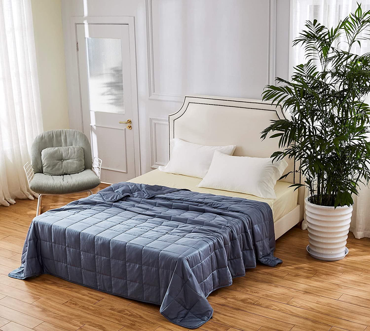 King Size Cooling Bamboo Weighted Blanket - 20lbs 88x104 - The Only True King Size Bamboo Cooling Weighted Comforter On The Market - Perfect for Couples