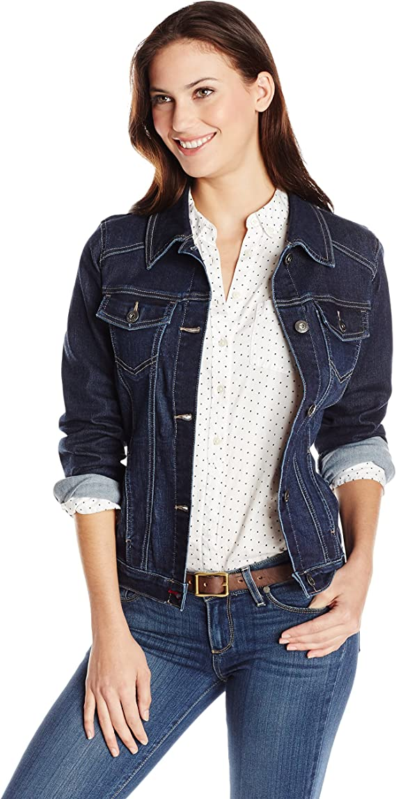 Wrangler Dark blue denim jacket | Casual denim jacket for your wardrobe | Jean jacket that goes great with any casual outfit