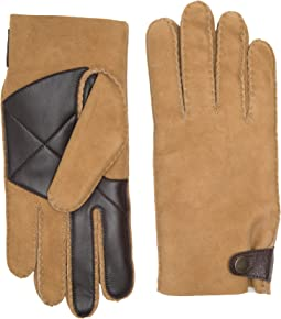 UGG - Sheepskin Snap Tab Tech Gloves