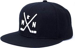 قبعة هوكي Tout Wear Minnesota   قبعة بيسبول MN قابلة للتعديل مع عصي الهوكي ومخطط للولاية باللون الأسود