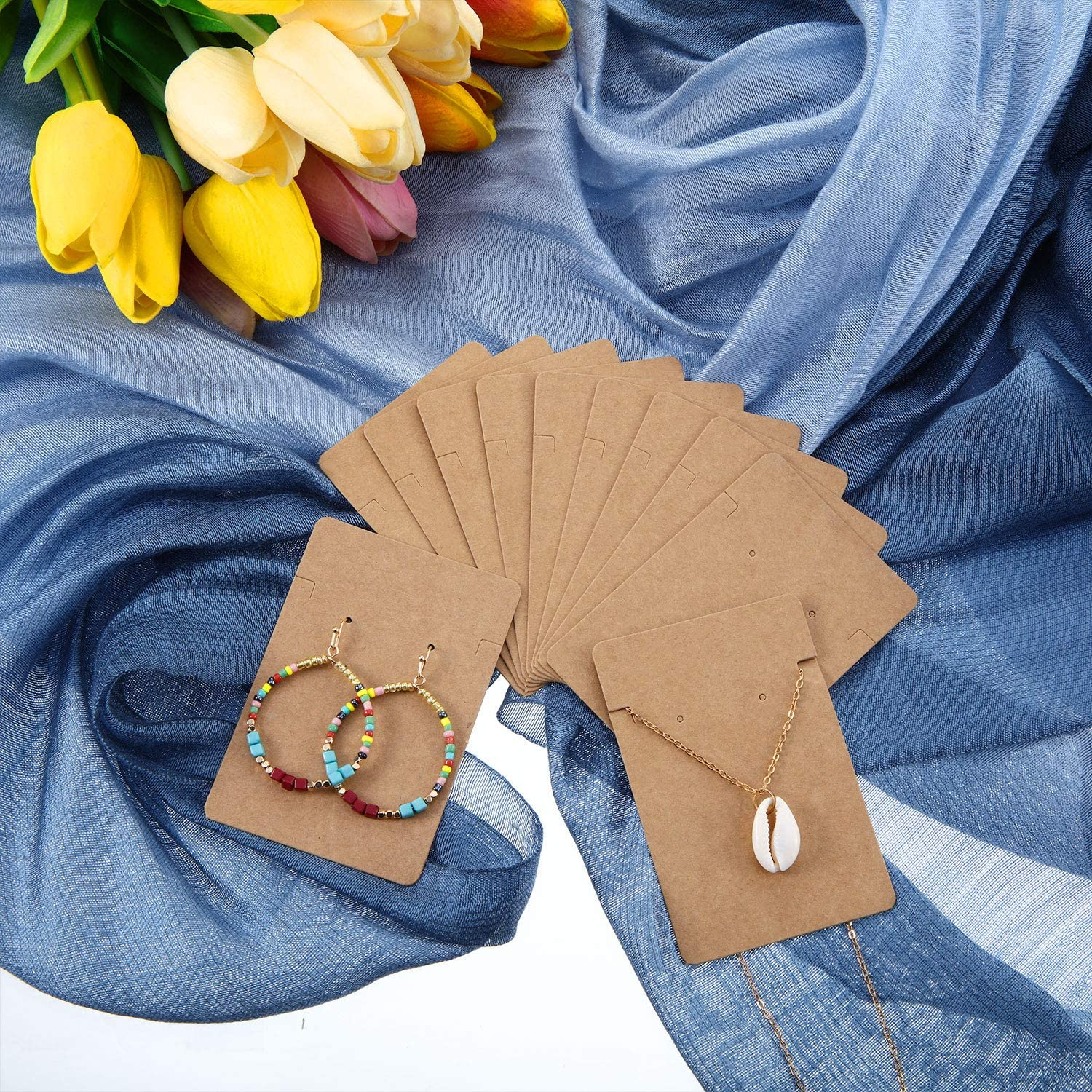 300 Set Necklace Earring Display Cards with 300 Pieces Self-Sealing Bags for Stud Earrings Dangle Earrings Pendant Earrings Necklace Chain (Kraft)