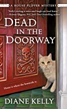 Dead in the Doorway: A House-Flipper Mystery (A House-Flipper Mystery, 2)