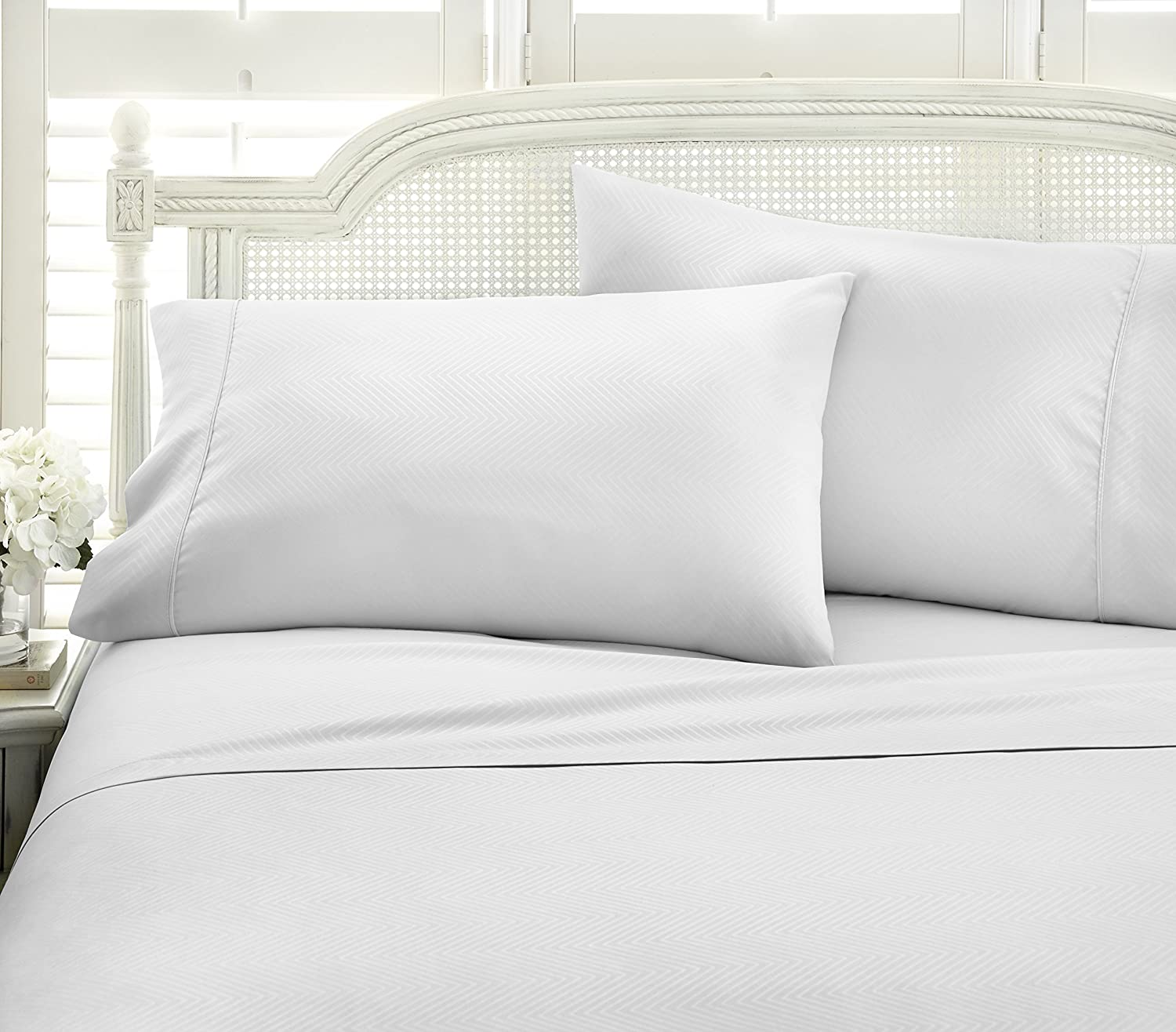 ienjoy Home Hotel Collection Embossed Chevron 4 Piece Sheet Set, KING, WHITE