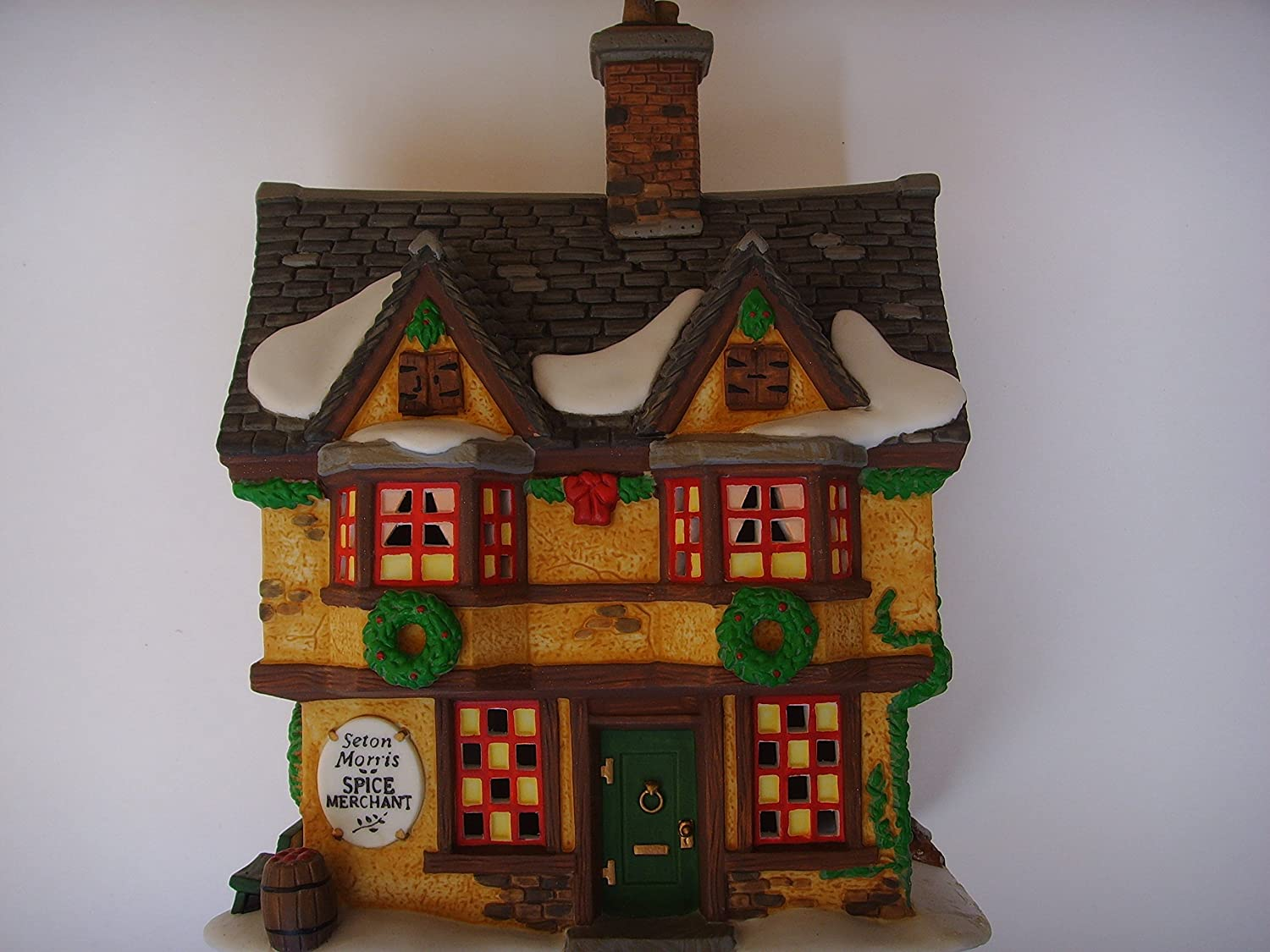 Dickens Super special Latest item price Christmas Village Lighted 6