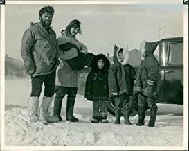 Vintage photo of Dr. Hugh Simpson and his family