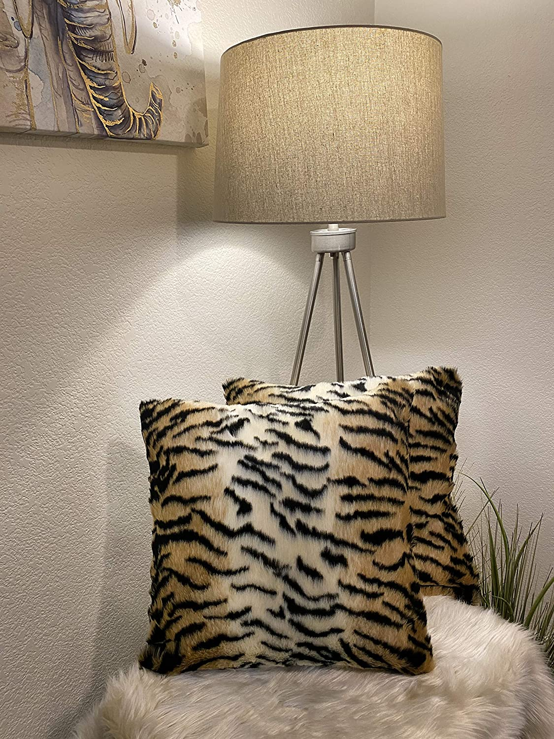 Set of Max 88% OFF 2 Leopard Print Faux Decorations Covers Pillow Fur Anima Low price