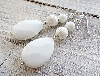Orecchini bianchi in argento 925, pendenti con gocce di agata bianca e conchiglie, gioielli contemporanei, bijoux creati a...
