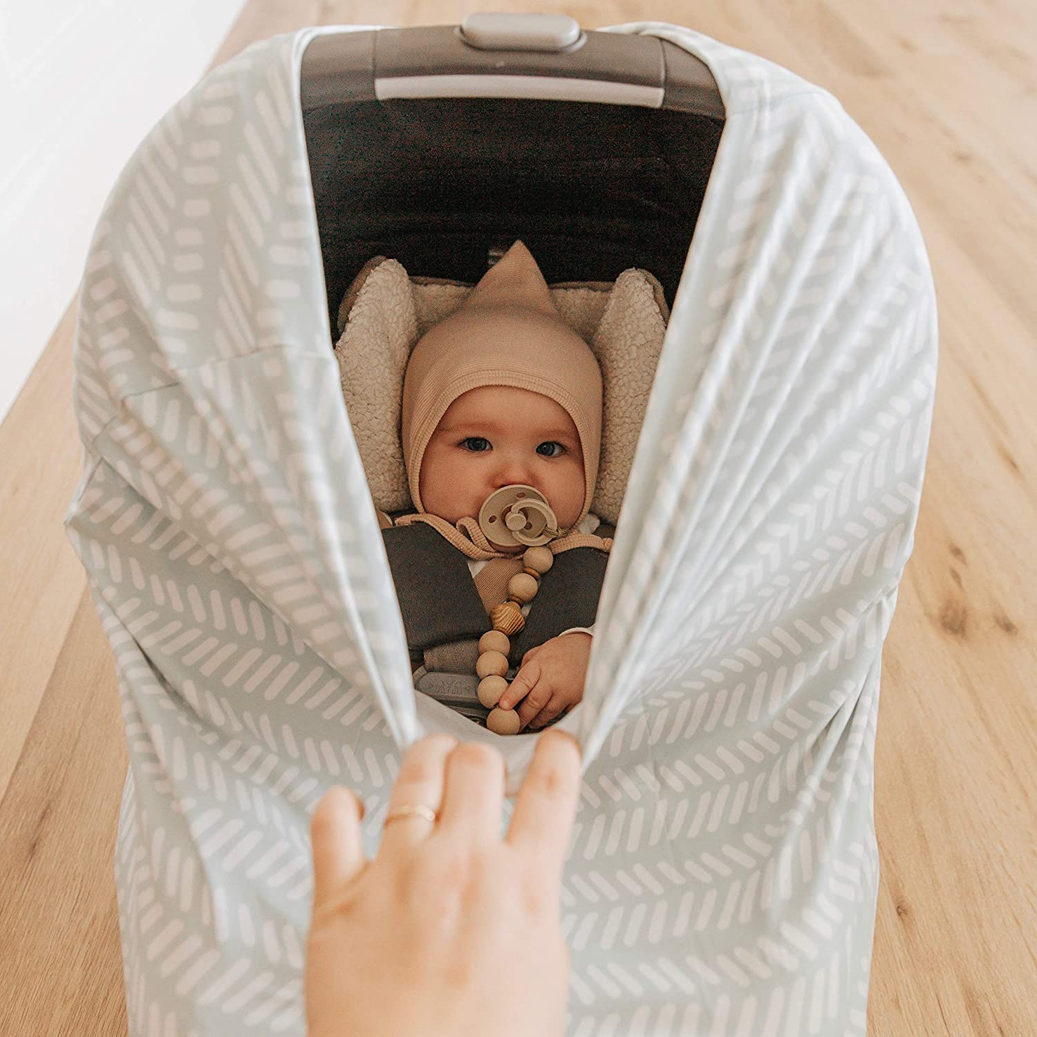 Simka Rose Car Seat Canopy Nursing Cover - Multi Use Cover - Baby Breastfeeding Cover - Ultra Soft and Stretchy - Modern Prints (Sage Chevron)