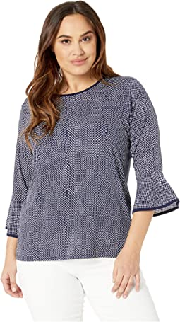 Plus Size Graphic Mamba Flare Sleeve Top