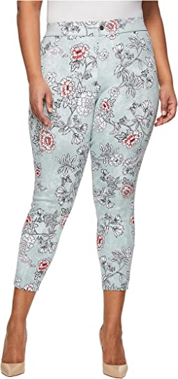 HUE - Plus Size Clouded Floral Essential Denim Skimmer