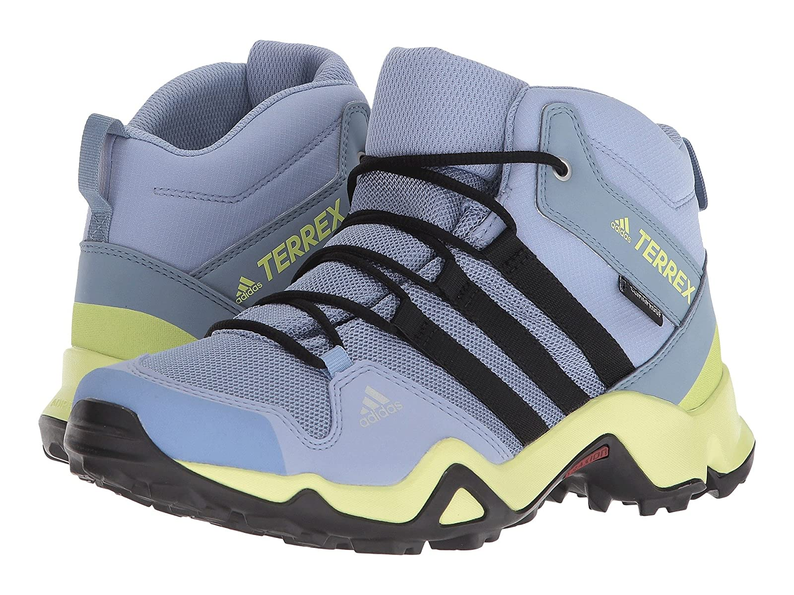 adidas Outdoor Kids Terrex AX2R Mid CP (Little Kid/Big Kid)Stylish and characteristic shoes