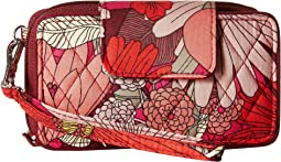Vera Bradley Smartphone Wristlet for iPhone 6