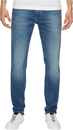 Tommy Jeans - Steve Slim Tapered Jeans in Berry Mid Blue Comfort