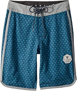 "Staggered Four-Way Stretch Boardshorts 17"" (Big Kids)"