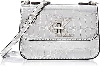 حقيبة مونو طويلة تمر بالجسم من كالفن كلاين، لون رمادي، 19 سم، K60K606454