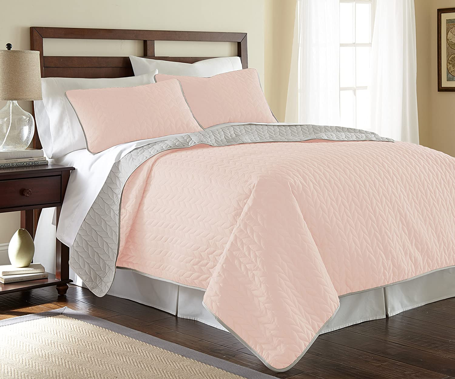 Amrapur Overseas Leaf Solid Reversible Quilted 3-piece Coverlet Set, King, bluesh Silver
