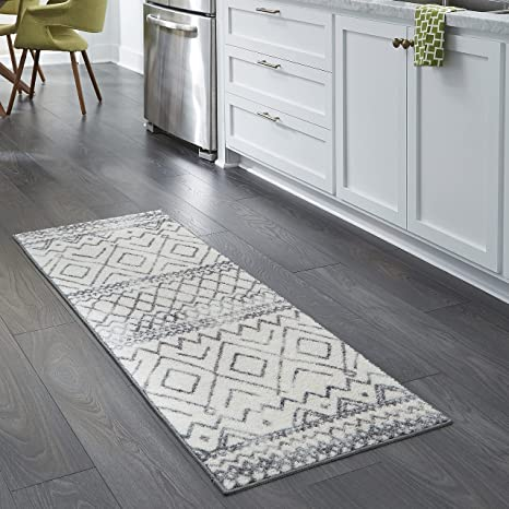 Amazon Com Maples Rugs Abstract Diamond Modern Distressed Non Slip Runner Rug For Hallway Entry Way Floor Carpet Made In Usa 2 X 6 Neutral Furniture Decor