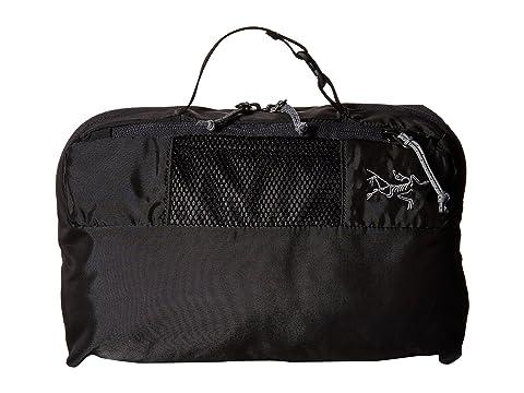 8ad42d583028 Arc teryx Index Large Toiletries Bag at Zappos.com