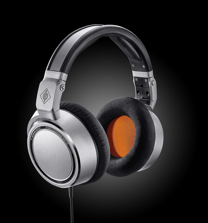 Top 9 Best Headphones for Recording Vocals - [Buying Guide- 2021] 1
