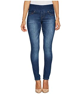 Petite Nora Pull-On Skinny Comfort Denim in Durango Wash