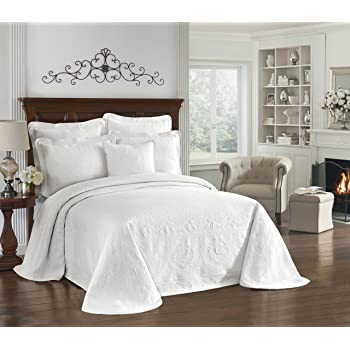 """HISTORIC CHARLESTON Bedspreads Coverlet - King Charles Collection 120"""" x 102"""" Size 100% Cotton Oversized Matelasse Bed Spread, Queen, White"""
