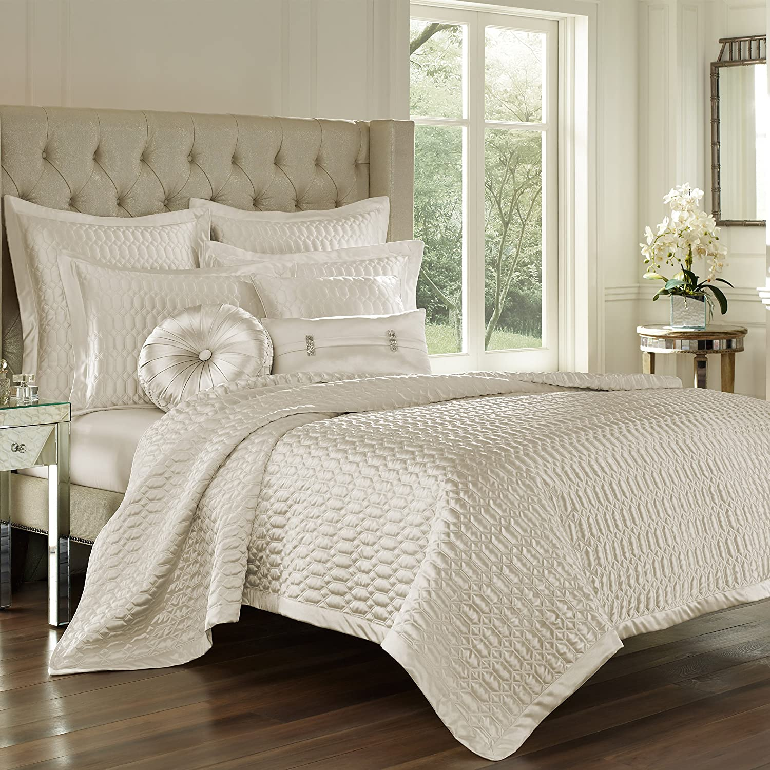 Five Queens Court Saranda Satin Geometric Quilted Coverlet Full Queen, Natural