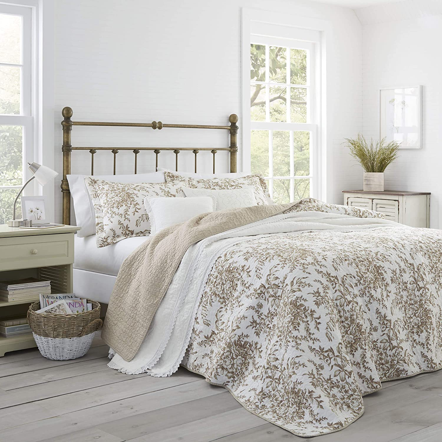Laura Ashley Home | Bedford Collection | Luxury Premium Ultra Soft Quilt Coverlet, Comfortable 3 Piece Bedding Set, All Season Stylish Bedspread, Full/Queen, Mocha