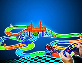 MAGIC TRACKS RC - Circuito Luminoso de 4,80 Metros modulable y Brillante en la Oscuridad con 342 Accesorios