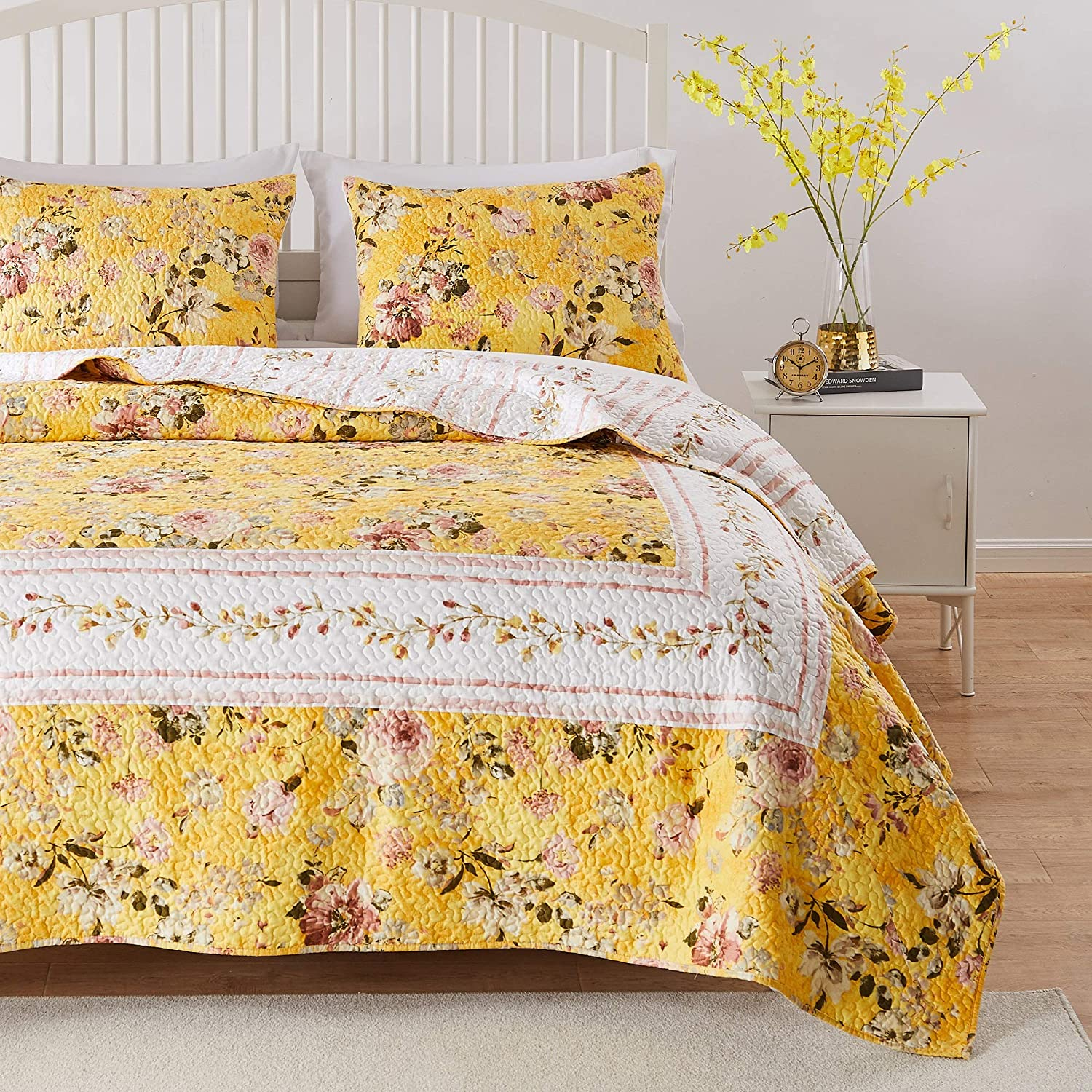 Greenland Home Barefoot Bungalow Finley Quilt Set, 3-Piece King/Cal King, Yellow