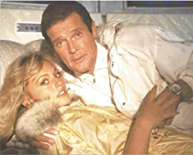 James Bond 007 A View to a Kill Roger Moore in bed Tanya Roberts #2 - 8 x 10 Movie Photo 004