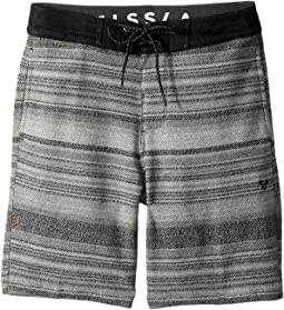 VISSLA Kids - Sofa Surfer Viajero Fleece Shorts 17