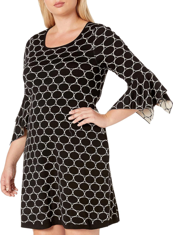 Gabby Skye Women's Plus Size 3/4 Sleeve Scoop Neck Printed A-line Sweater Dress