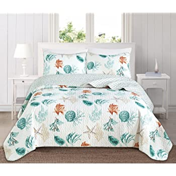 Great Bay Home 3 Piece Quilt Set with Shams. Soft All-Season Cotton Blend Bedspread Featuring Attractive Seascape Images. The Key West Collection (Full/Queen)