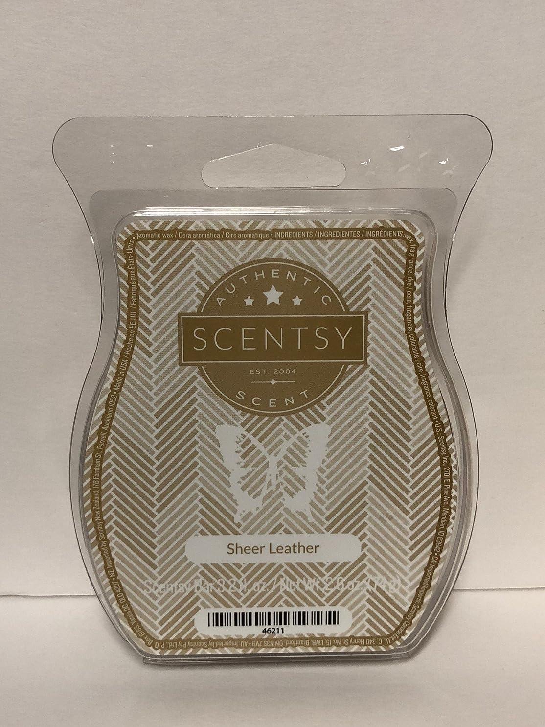 皮肉な評議会文庫本Sheer Leather Scentsy Wickless Candle Tart Wax 90ml, 8 Squares