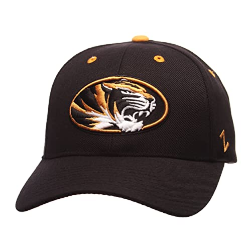 lowest price 106d8 2d27f ZHATS NCAA Mens Competitor Adjustable Hat