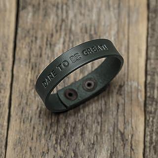 Brazalete personalizada de cuero italiano verde, grabe su nombre, lema personal, frase inspiradora, coordenadas GPS, fecha...