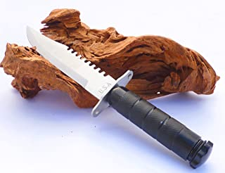 Resistente cuchillo de caza con funda