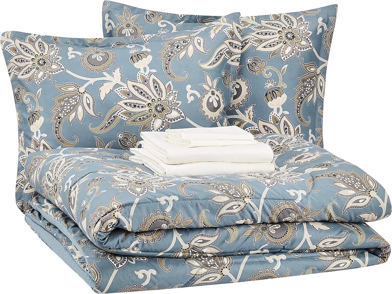 AmazonBasics Bed-in-a-Bag - Soft, Easy-Wash Microfiber - 8-Piece King, Sea Foam Jacobean