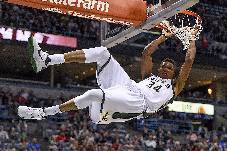 Milwaukee Bucks/' Basketball Poster Paper 24x36