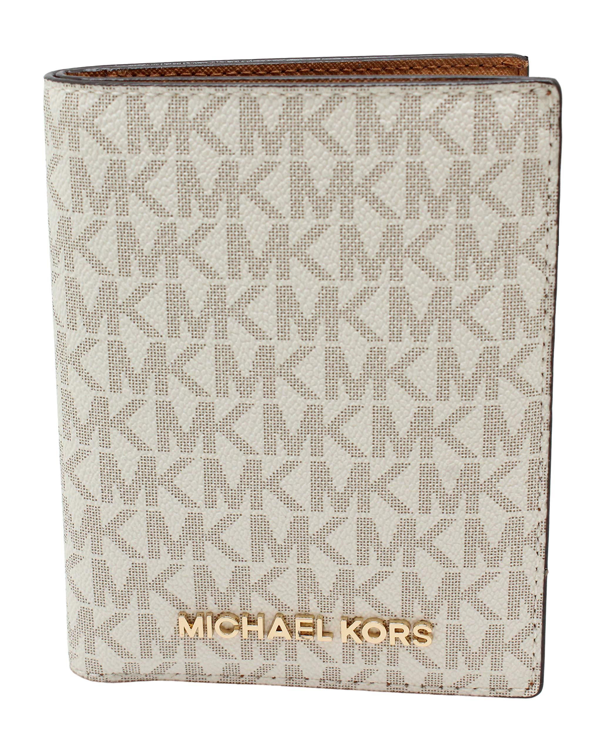 Michael Kors Travel Passport Vanilla