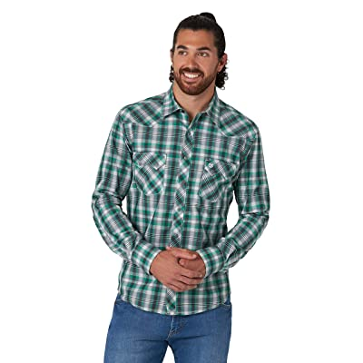 Wrangler Retro Long Sleeve Plaid Snap (Green) Men