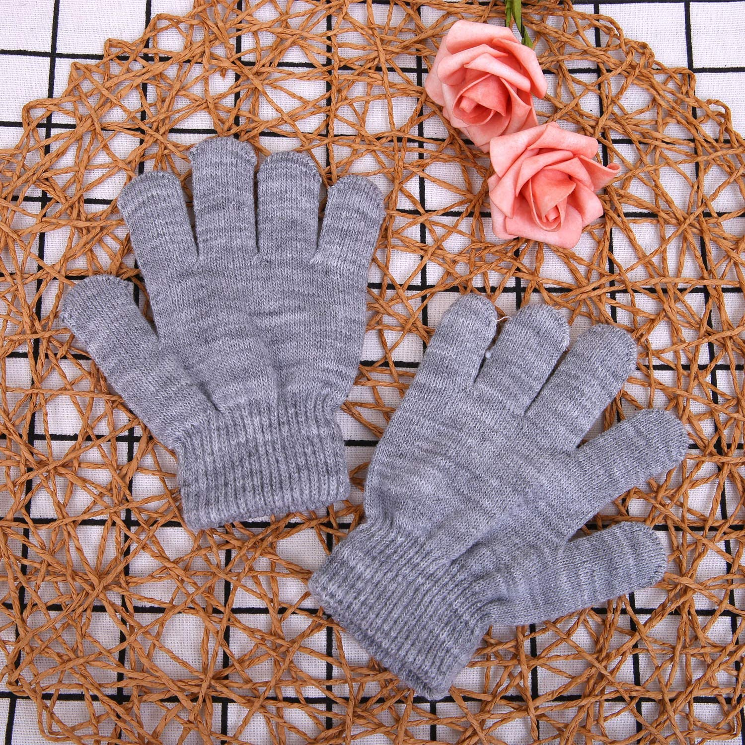 Cooraby 2 Pairs Kid's Thick Magic Gloves Winter Stretchy Warm Full Fingers Gloves Mittens