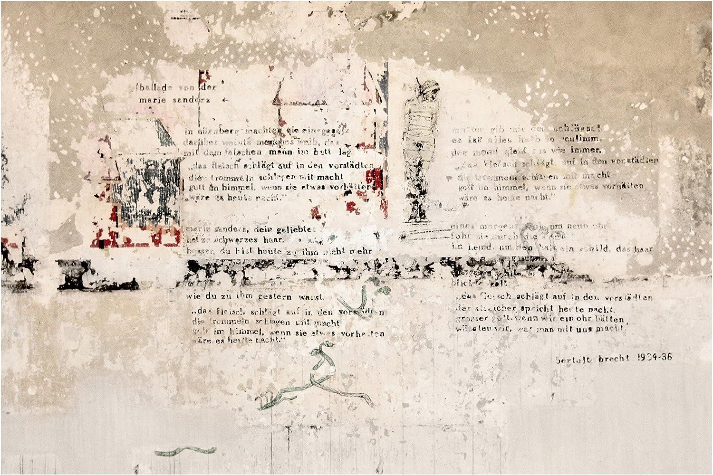 Vliestapete Alte Betonwand mit Bertolt Brecht Versen, HxB  225cm x 336cm