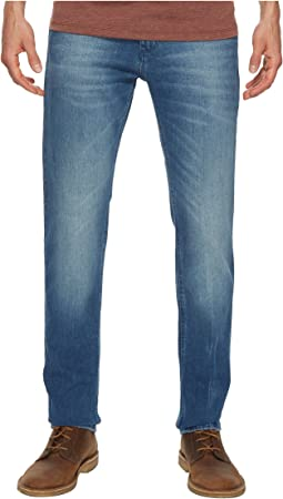 Tommy Jeans - Scanton Slim Fit Jeans in Berry Mid Blue Comfort