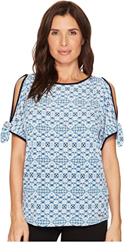 Ivanka Trump - Printed Round Neck Cold Shoulder Blouse w/ Rounded Open Hem