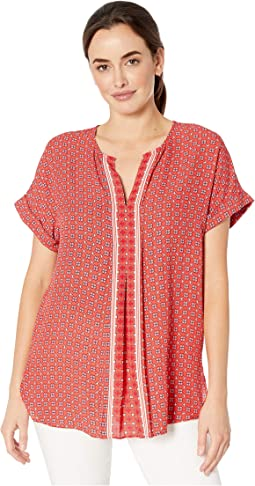 Coral/Lipstick Clover Crossed Stripe Panel