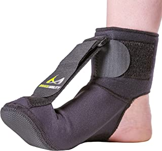 BraceAbility Plantar Fasciitis Night Sock | Soft Stretching Boot Splint for Sleeping, Achilles Tendonitis Foot Support Brace & Heel Pain Relief Compression Sleeve (Medium)