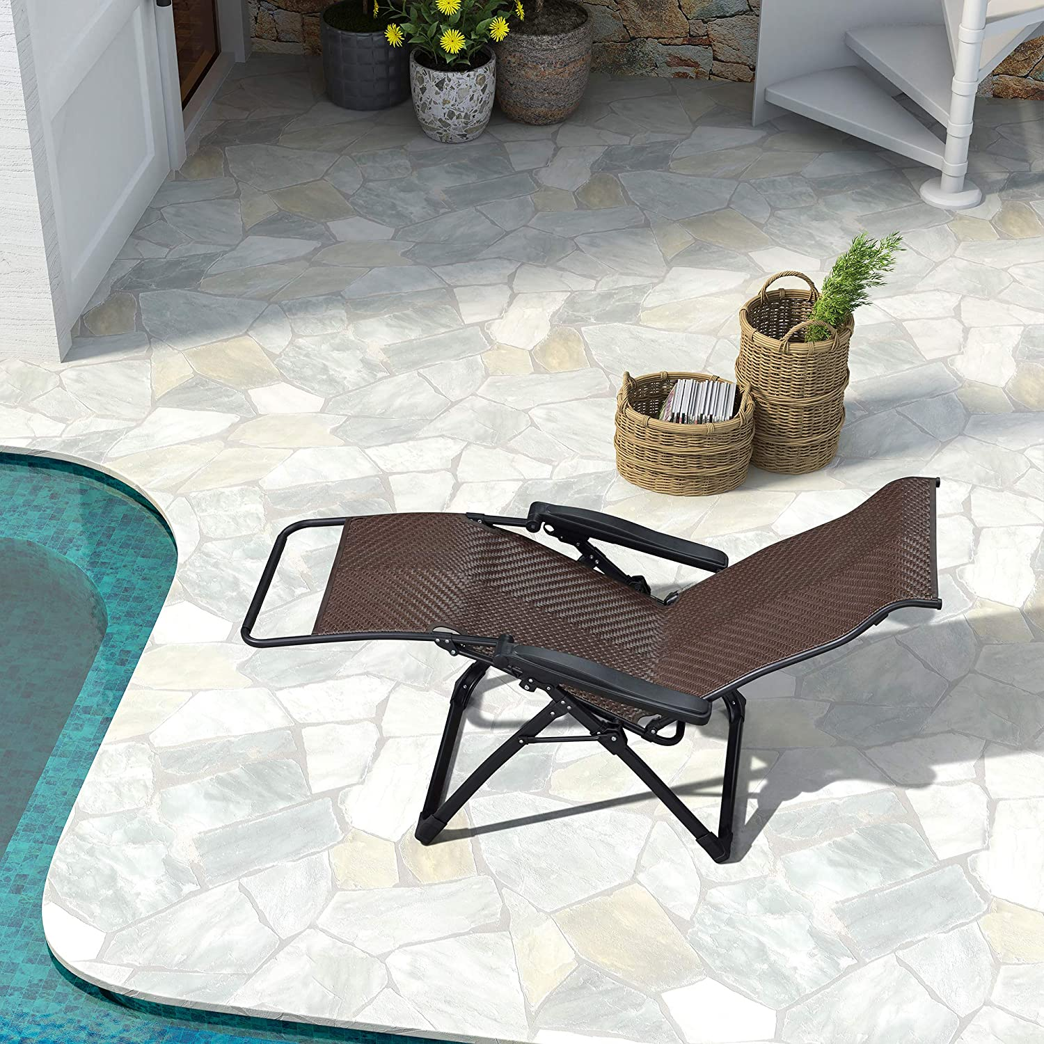 PURPLE LEAF Outdoor Zero Gravity Recliner Chair Patio Wicker Rattan Lounge Chair Outdoor Folding Pool Beach Camping Lawn Chair for Indoor Office Sunbathing Deck Beige
