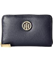 Tommy Hilfiger - The Serif Signature Pebble Leather Medium Zip Around