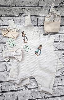 Peter Rabbit o Flopsy Rabbit. Vestiti naturali per bambini, pagliaccetto, cappello, fascia per capelli. Crema morbida. Cot...